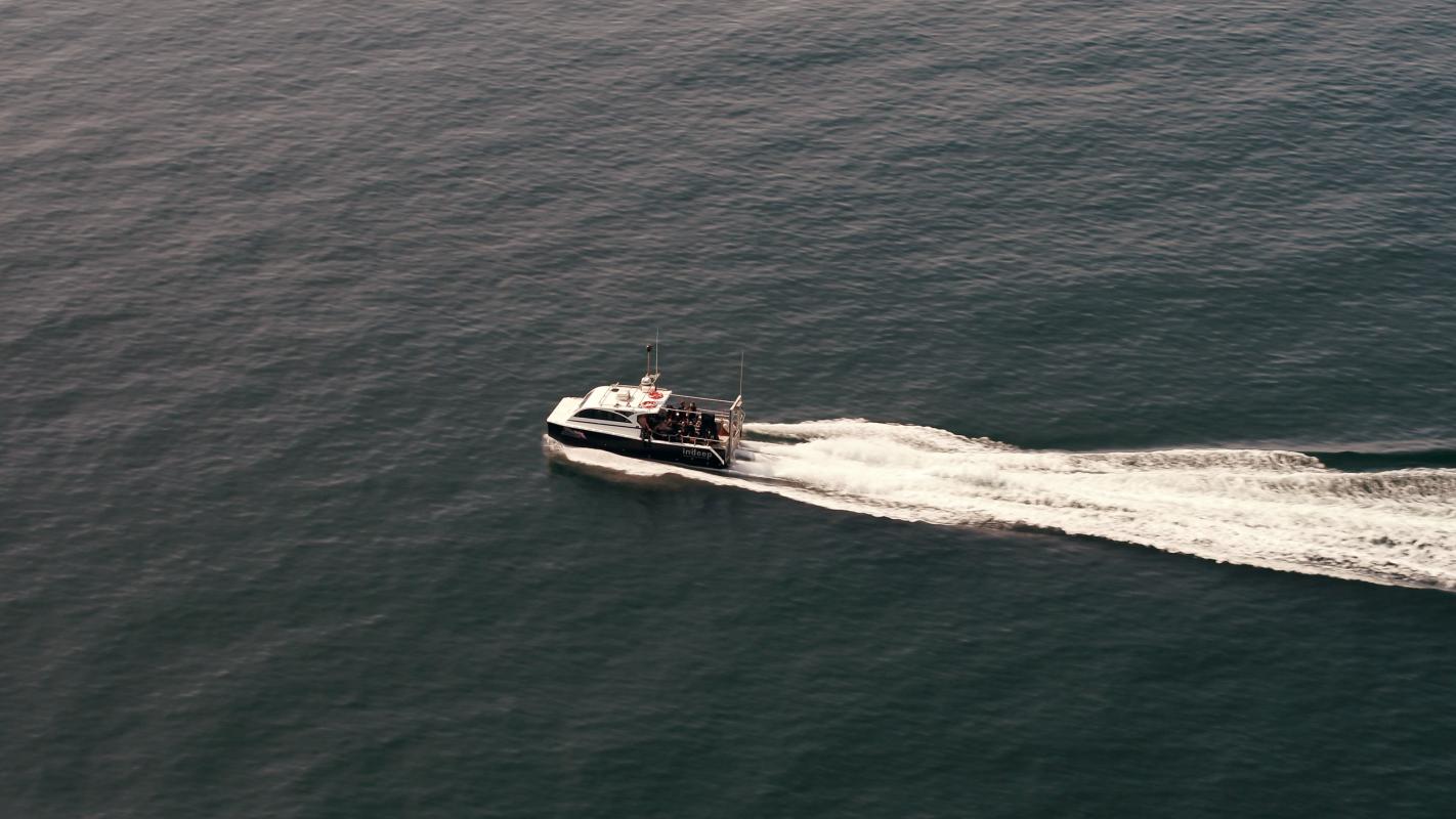 cornwall coastline speedboat